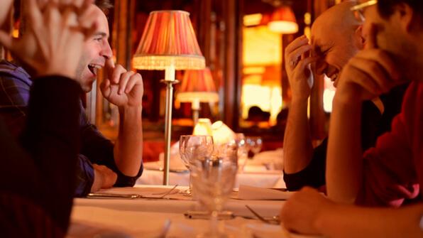 Louis-José Houde et Martin Matte au restaurant, tournée Les heures verticales.